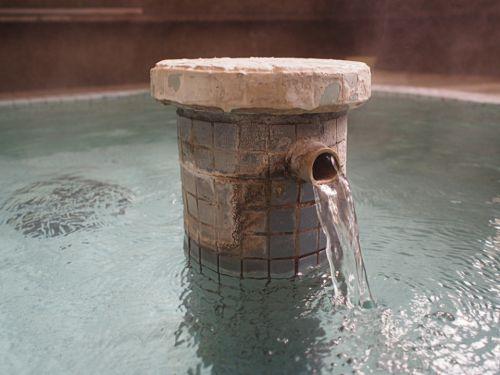 飯坂温泉 **十綱の湯** 熱くてディープな共同浴場