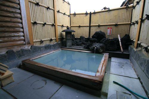 【別府市】明礬温泉 みどり荘~安定の濃さ!気軽に立ち寄れる貸切風呂