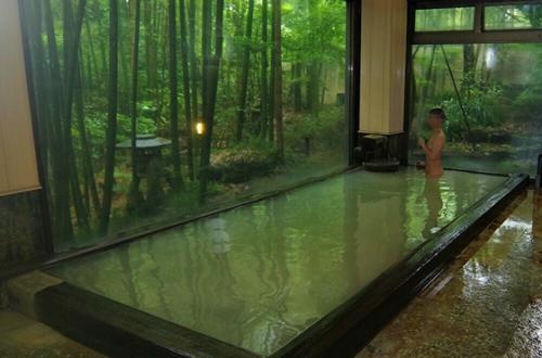 大涌谷からの100%かけ流しの湯「箱根温泉山荘 なかむら」