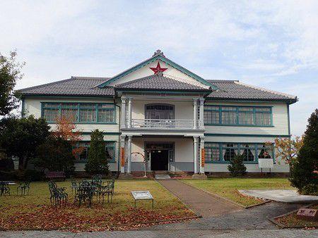この前の3連休は長野から新潟、福島、栃木の温泉、建物を巡ってきました。